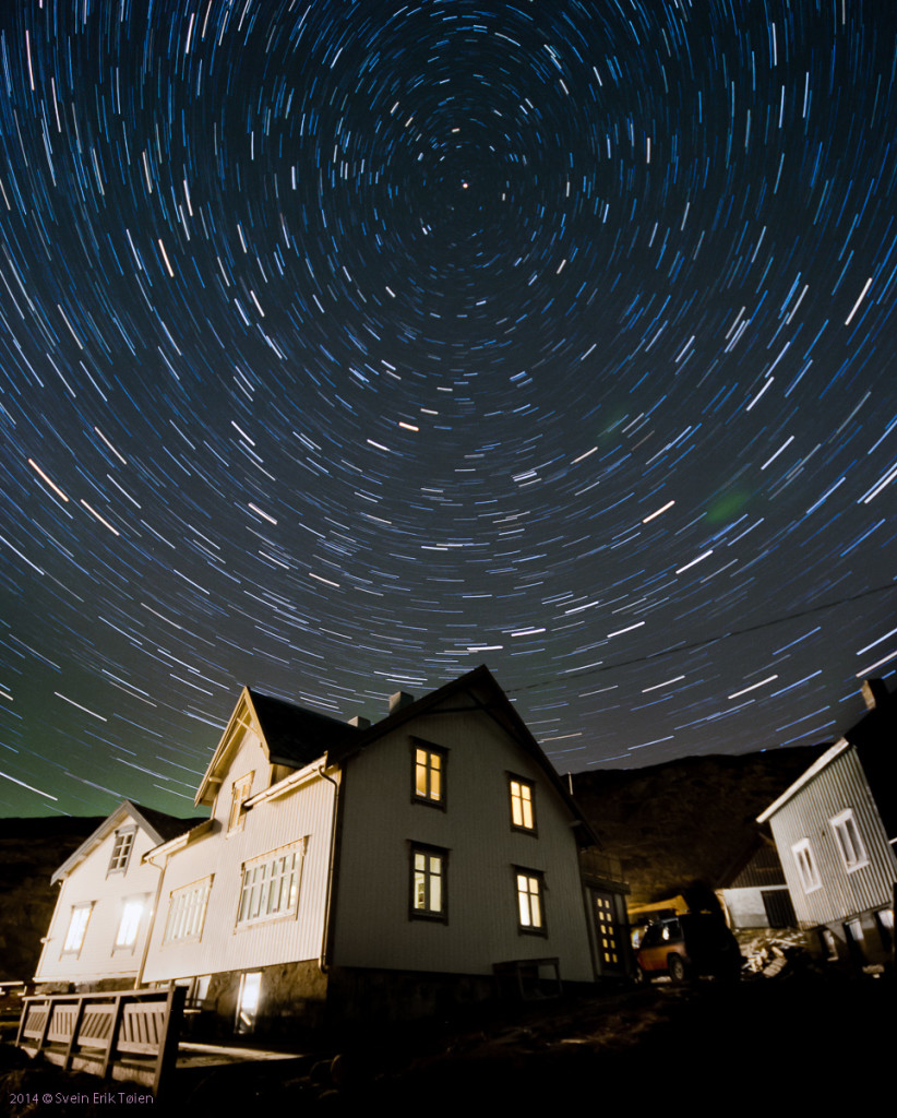 Withgarden_startrails_1200