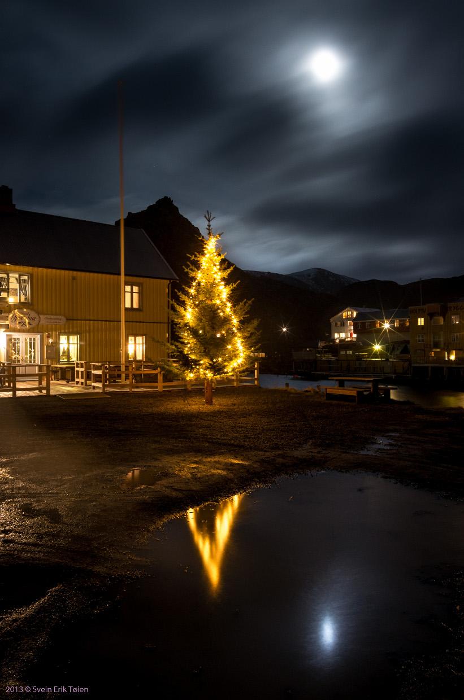 Julenatt på torget i Nyksund