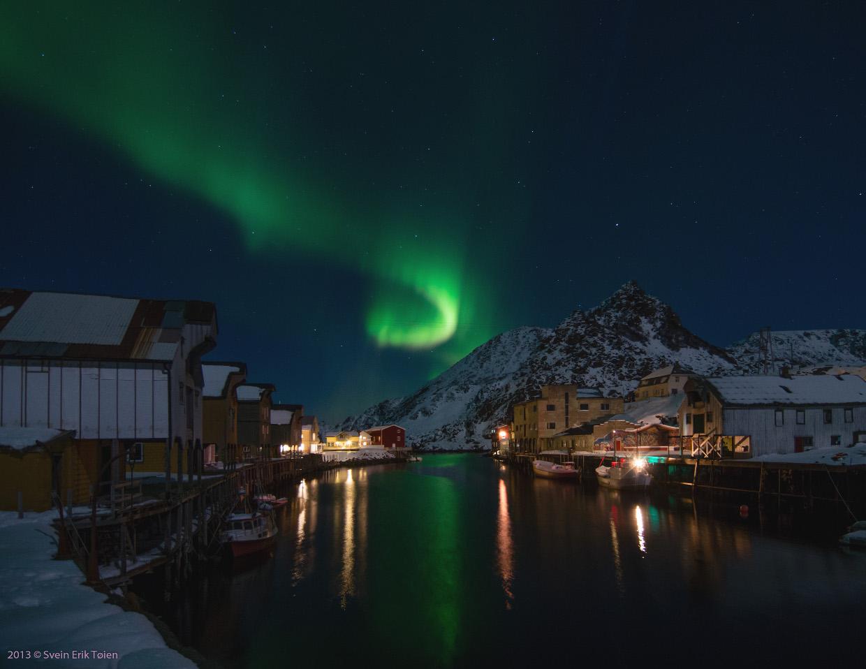 Nordlys over Nyksund havn