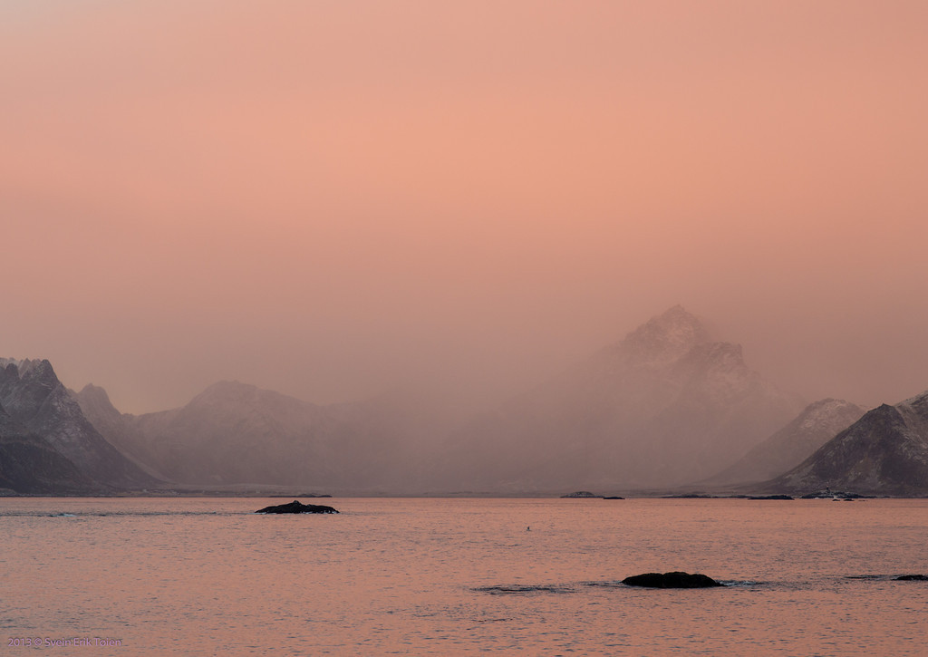 Rosa himmel over Prestfjorden